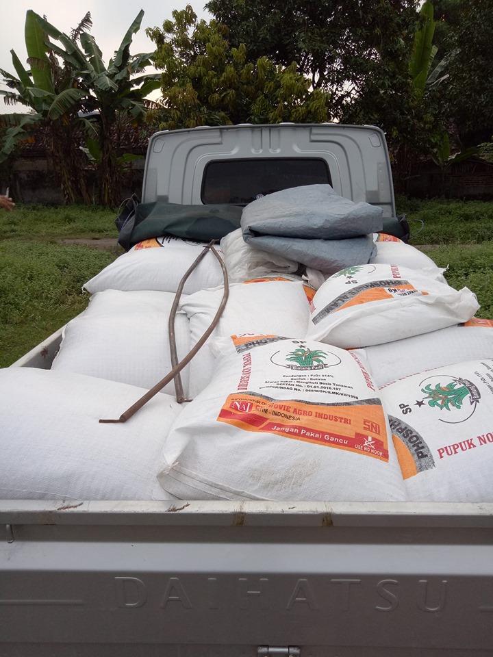 Meluncur pupuk phospat alam bintang padi ke Ngawi sebanyak 2 ton
