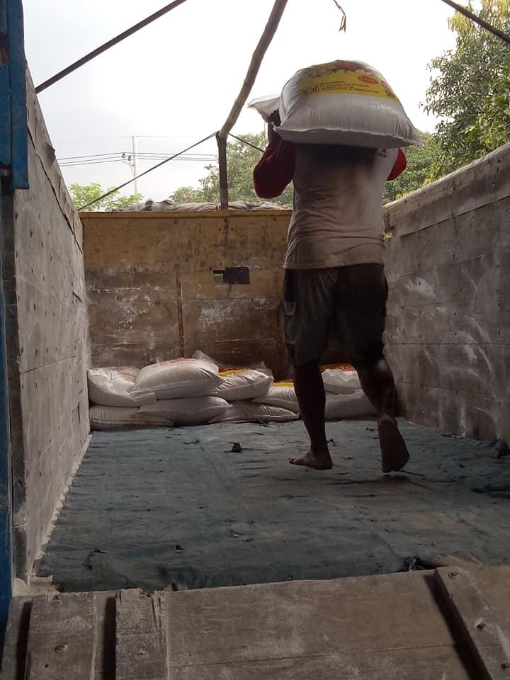 Muat pupuk npk hibaflor dan interflor tujuan Probolinggo