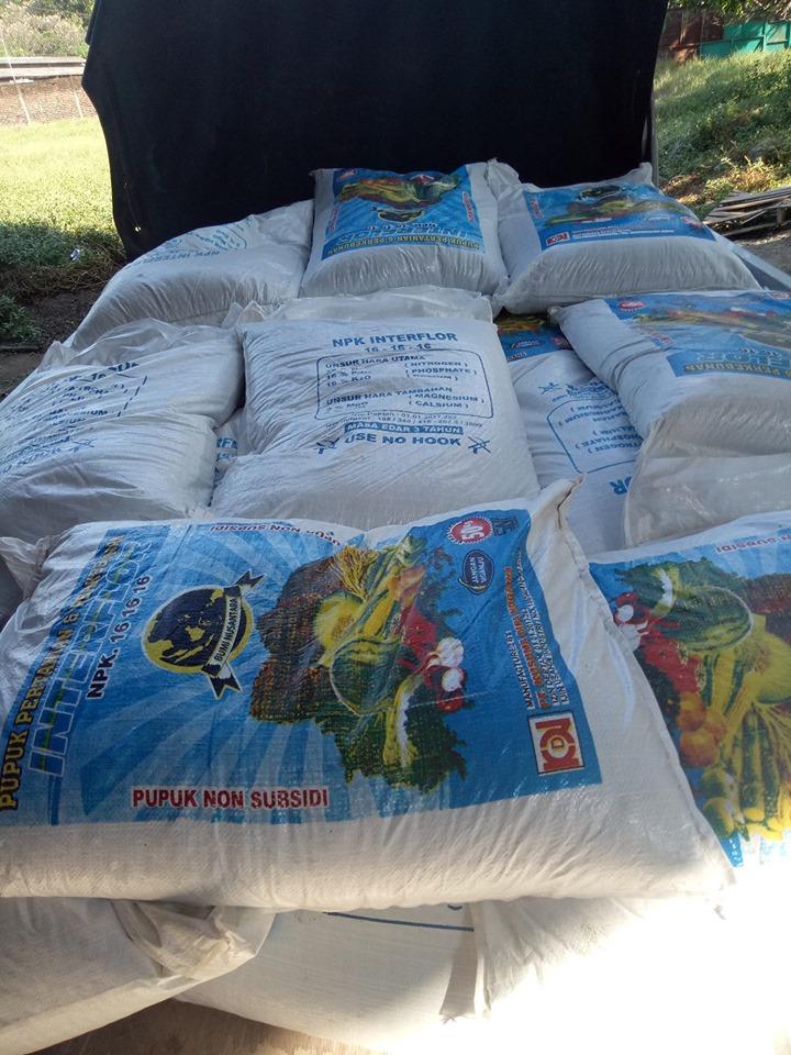 Pengiriman pupuk npk interflor ke petani Jombang sebanyak 2 ton