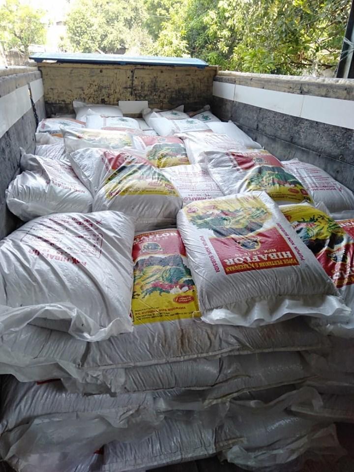 Pengiriman ke kios pertanian Ponorogo pupuk npk hibaflor dan phospat alam bintang padi