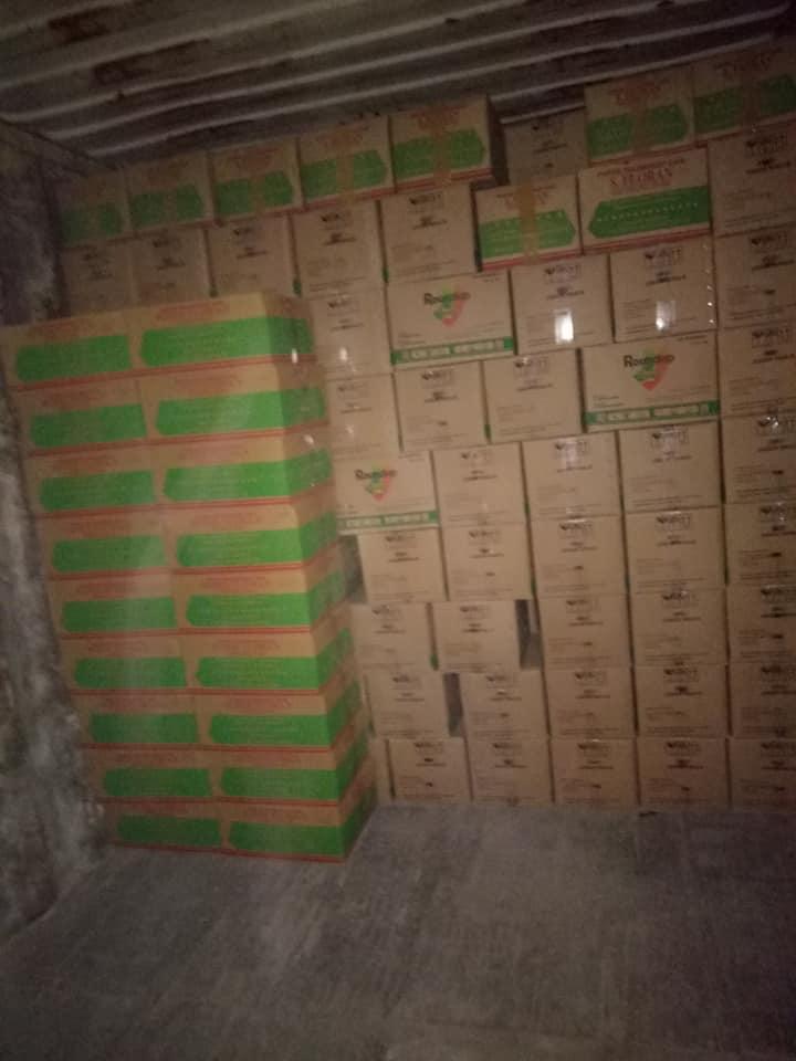 Pengiriman obat-obatan dan benih kangkung putra tunggal kemasan 1kg sebanyak 1 kontainer penuh ke Kupang NTT