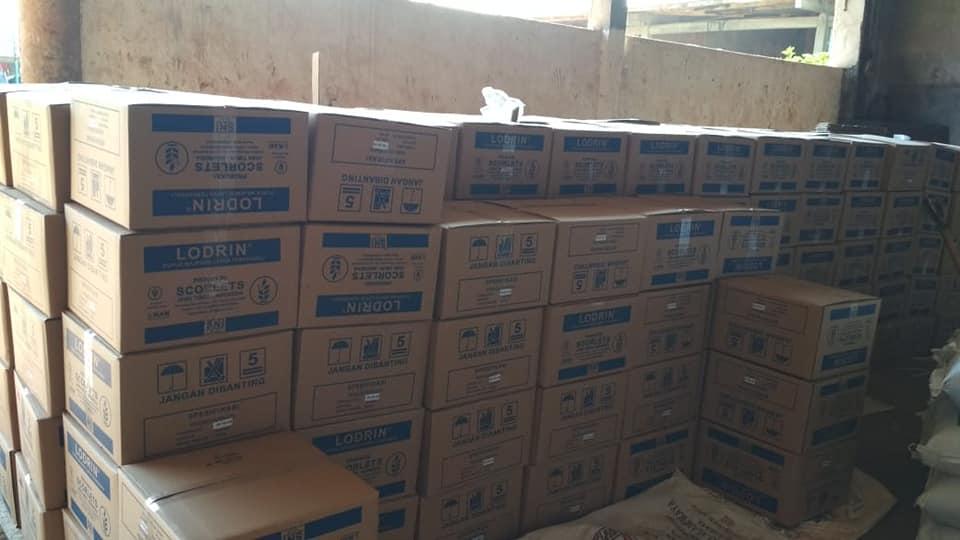 Tinggal tunggu armada kontainer datang langsung muat pupuk npk tablet tujuan kalimantan