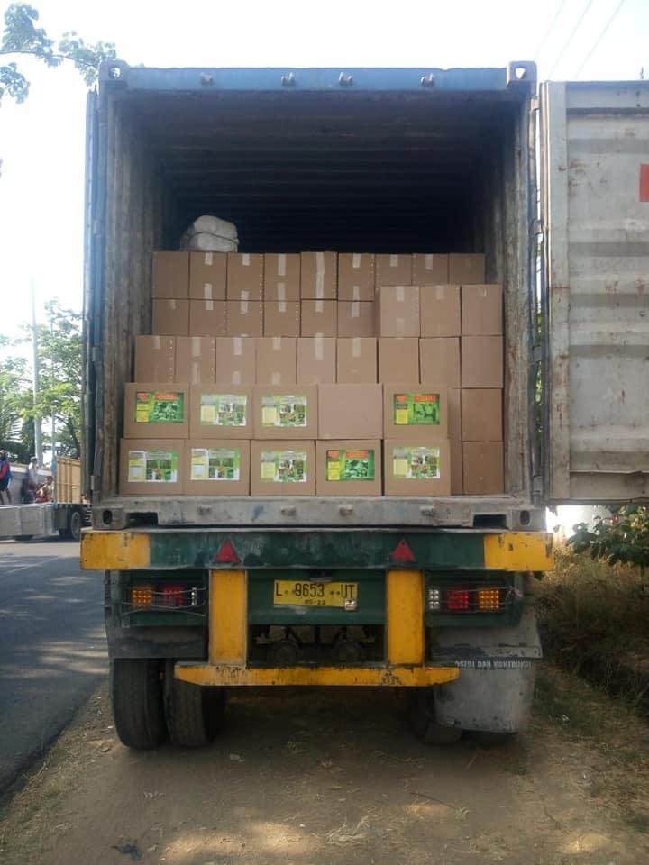 Muat pupuk pelengkap cair S.florans 1 konteiner penuh tujuan Luwuk Sulawesi