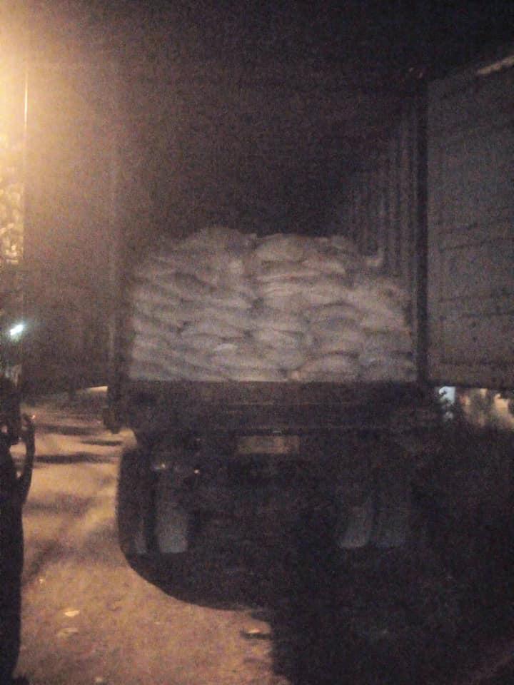 Selesai muat pupuk untuk pengiriman ke Kalimantan Barat