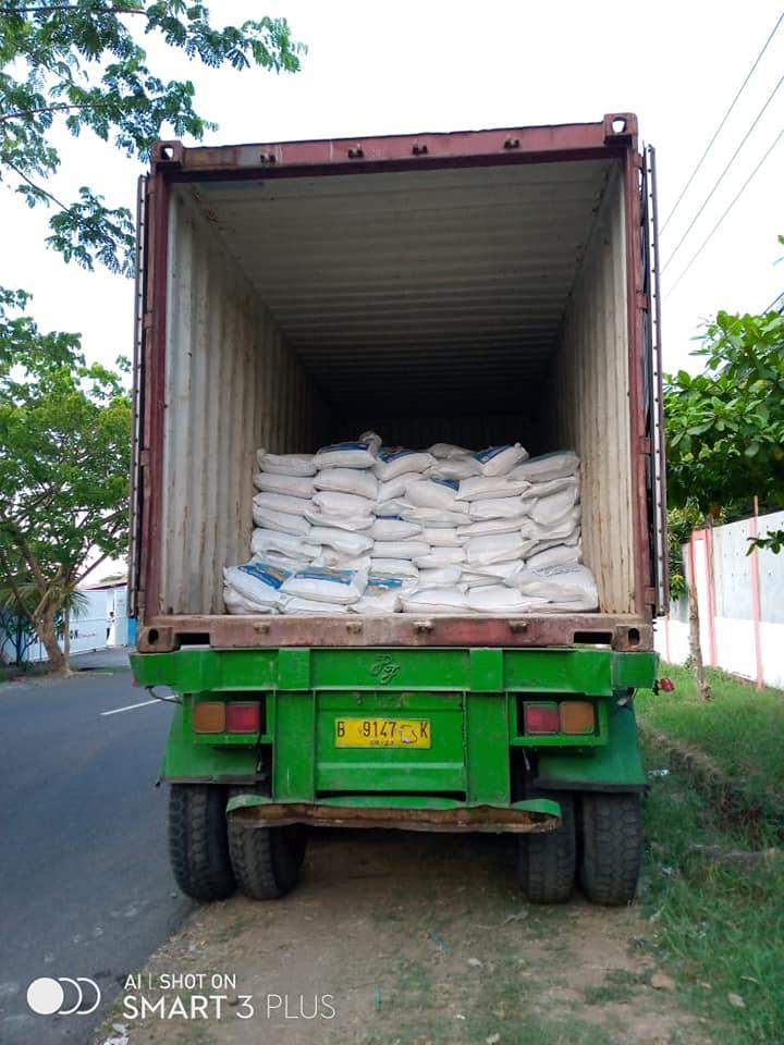 Pengiriman pupuk npk interflor sebanyak 2 kontainer ke kota Makasar