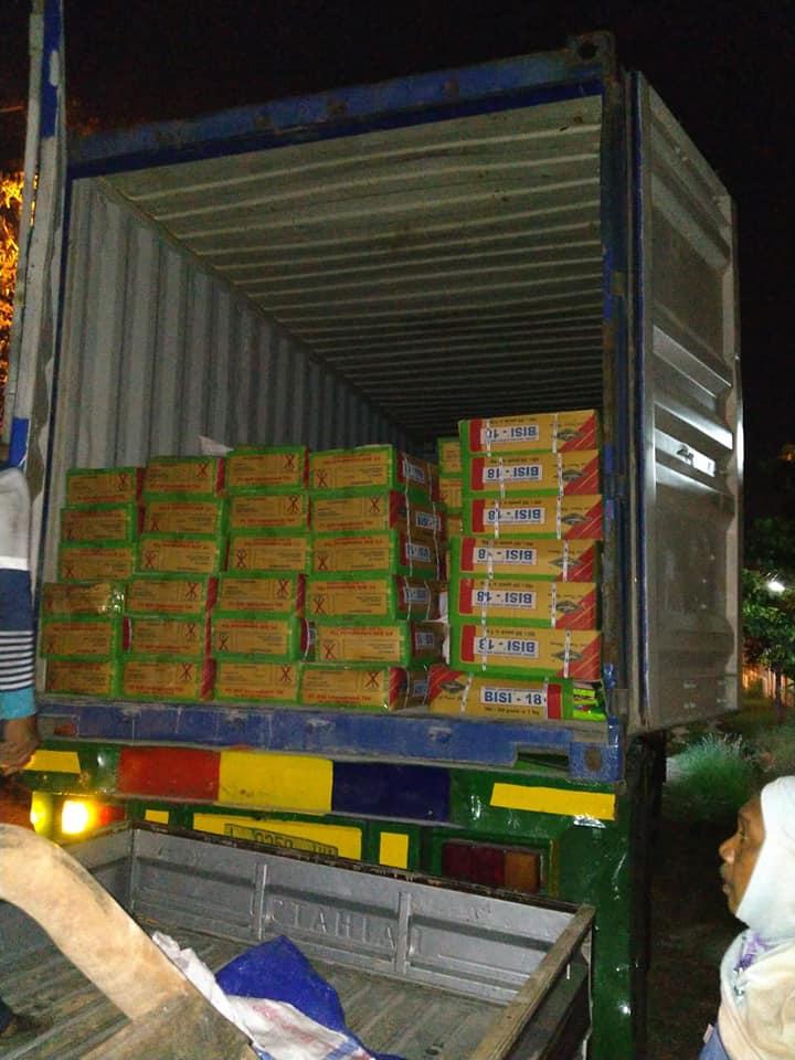 Pengiriman benih jagung sebanyak 1 kontainer penuh kemasan 1 kg tujuan NTT