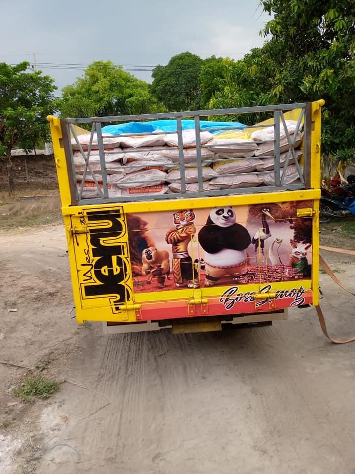 Selesai muat pupuk npk hibaflor kemasan 25 kg tujuan Mataram