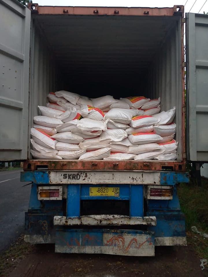 Selesai muat pupuk kings phoska sebanyak 2 konteiner tujuan Kalimantan Barat dan Maluku