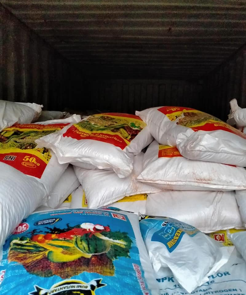 Lanjut lembur lagi, muat pupuk hibaflor, kings phoska dan interflor tujuan Aceh