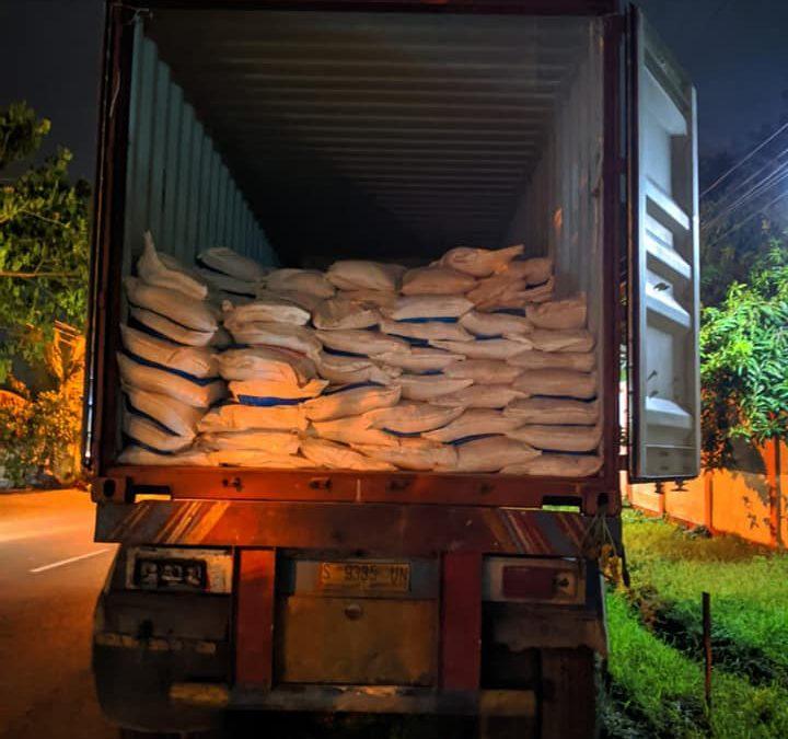 Muat pupuk npk interflor kemasan 1 kg ,25 kg dan 50kg tujuan Sukabumi