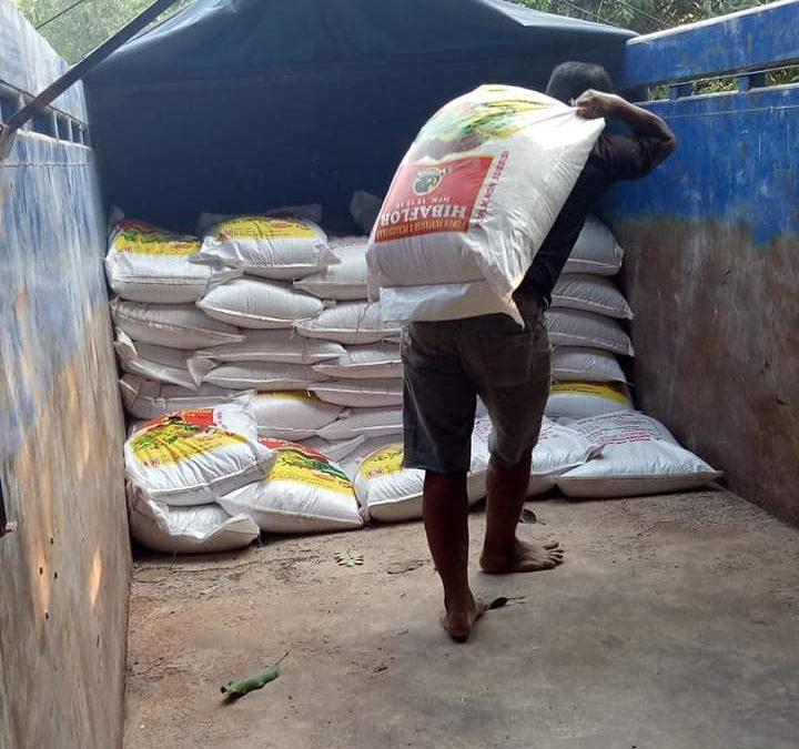 Lanjut truk kecil muatan lokalan pupuk npk hibaflor tujuan Lumajang sebanyak 9 ton