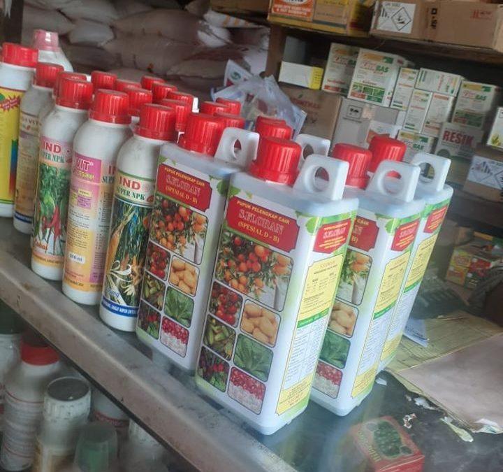 Pupuk pelengkap cair daun dan buah S.Florans di kios pertanian Sidoarjo